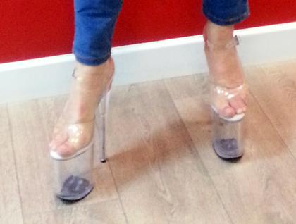 נעלי ה-pole dance של ק'