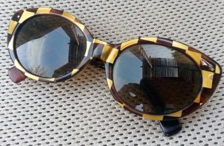 sunglasses-checkers
